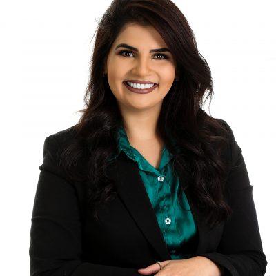 Headshot of Gabriela de Faria Oliveira